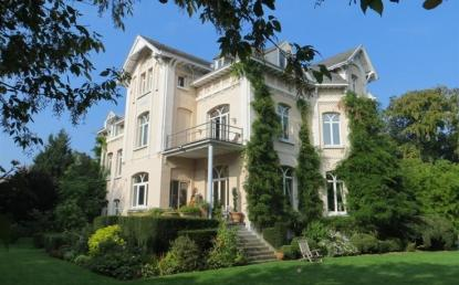Villa - 600m² - UCCLE