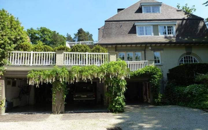 Villa - 670m² - UCCLE